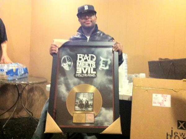 royce-bad-meets-evil-plaque-gold[1].jpg